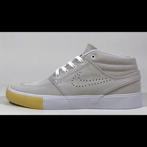 Nike SB Zoom Janoski  Mid RM SE Women's Shoes